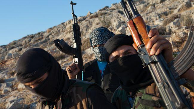 Mortar attack kills 4 near Syrian capital