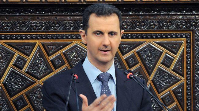 Bashar Assad attends Eid al-Adha prayer