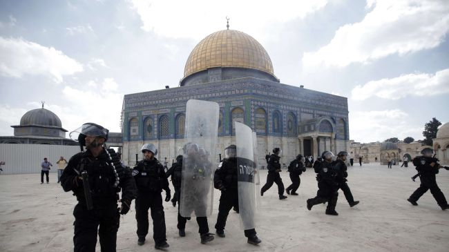 Israel police forces enter al-Aqsa Mosque compound