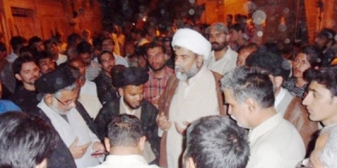 Allama Nasir Abbas Jafari Meets The Heirs Of Martyrs Of Abbas Town Tragedy